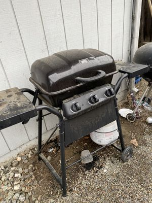 Propane grill and propane tank for Sale in Tracy, CA