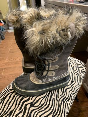 Sorel snow boots for Sale in Wenatchee, WA