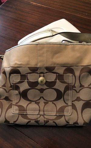 Coach Mo 771 -11689 Beige Tan with Gold Trim Fabric & Leather Hobo Bag Measurements for Sale in Phoenix, AZ