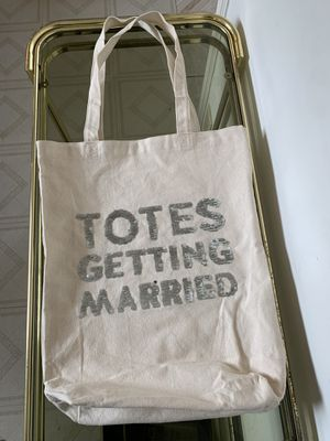 Totes getting married bag for Sale in Los Angeles, CA