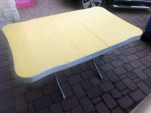 Vintage Formica table for Sale in Gilbert, AZ