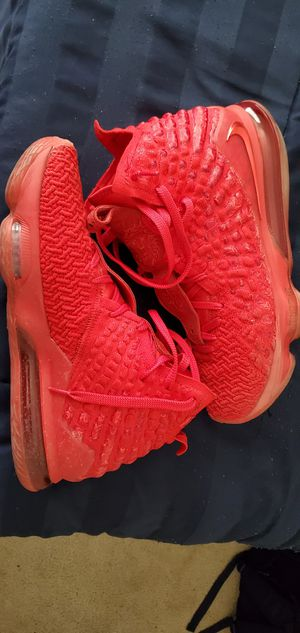 Lebron 17s Size 10.5 for Sale in UNM, NM