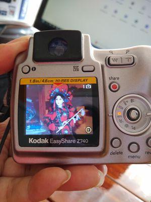 Kodak Digital Camera, 10X; 5.0 megapixel, excellent condition. Has lens adapter 45.5 mm to 55mm, USB cable, kodak bag. for Sale in Hialeah, FL