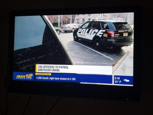 37 inch Sony bravia tv with remote and wall mount for Sale in Jackson, NJ