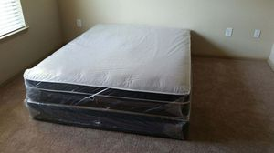 Queen pillow top mattress and box spring in the plastic New Free delivery in Atlanta for Sale in Riverdale, GA