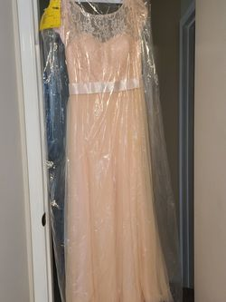 Pink Prom/Bridesmaid/Formal Dress. for Sale in Puyallup,  WA