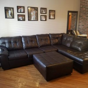 Dark Espresso sectional couch for Sale in Las Vegas, NV