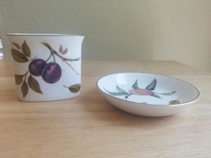 Royal Worcester Pin dish and tooth pick holder made in England Fine Bone China for Sale in DeSoto, TX