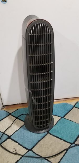 Honeywell oscillating tower fan for Sale in Evanston, IL