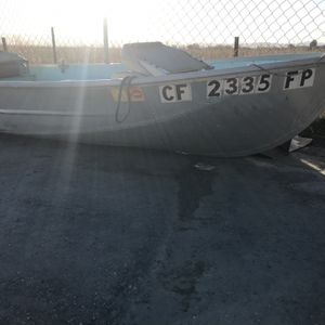 12 Ft Aluminum Boat for Sale in Tracy, CA