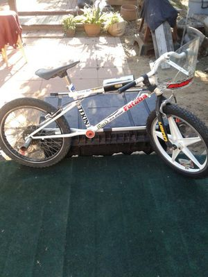 GT Downhill Racing Bike for Sale in Los Angeles, CA