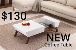 MODERN COFFEE TABLE IN WHITE AND WALNUT FINISH for Sale in Montebello, CA