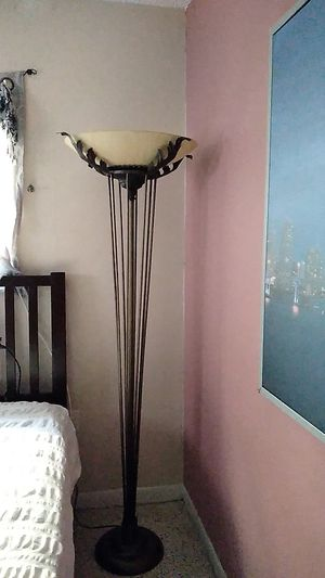 Lámpara. Lamp for Sale in Miami, FL