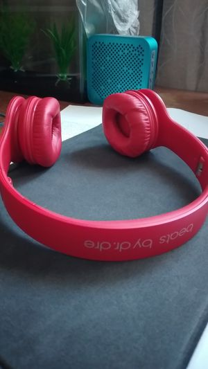 Beats Solo HD by dr. dre for Sale in Mill Creek, WA