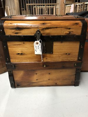 Antique Trunk for Sale in Martinsburg, WV