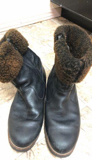 Winter women's snow boots very warm size8.5-9.5 for Sale in Bellevue, WA
