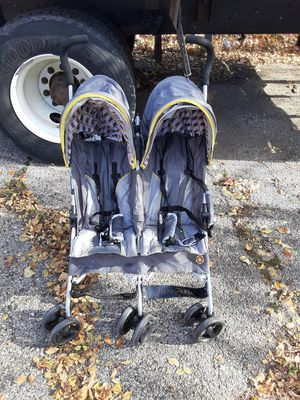 Kids Double Stroller for Sale in Niles, IL