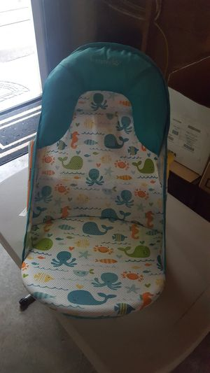 Infant/Baby bath seat for Sale in Auburn, WA