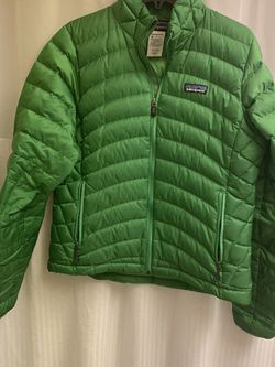Patagonia green women puffer jacket size S goose down filled. EUC, WORN TWICE would look great if you're a Seattle Seahawks fan :) for Sale in Federal Way,  WA