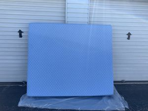 Cal king size mattress 72x84 for Sale in North Las Vegas, NV