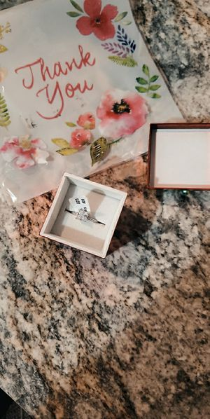 1ct white gold princess cut engagement ring size 6 for Sale in Vancouver, WA