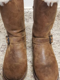 Size 6 UGG Boots for Sale in Oklahoma City,  OK