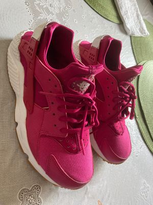 Pink Air Huarache By Nike for Sale in Paramount, CA