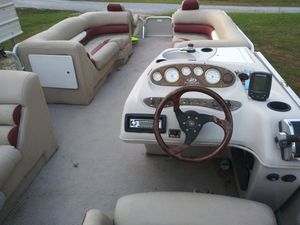 24' pantoon boat for Sale in Marion, IL
