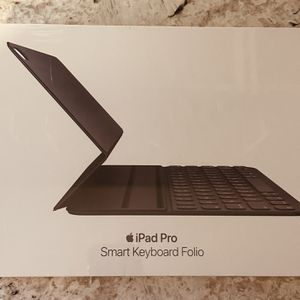Apple Smart Keyboard Folio for Apple 11 inch iPad Pro - Charcoal Gray for Sale in The Bronx, NY