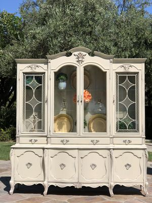 Beautiful Vintage Cabinet Hutch for Sale in Ontario, CA