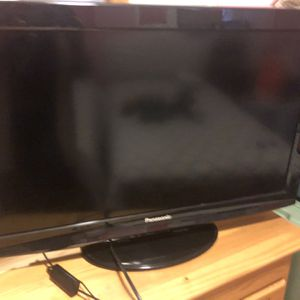 32' Panasonic TV (MUST GO) for Sale in Milton, MA