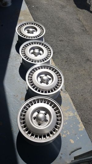 Chrome 15 inch rims for Sale in Rockville, MD