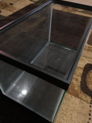 GLASS TANK for Sale in Raleigh, NC