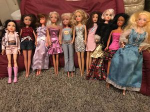 10 Barbies type dolls for Sale in San Leandro, CA