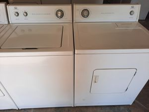 Washer and gas dryer set whirlpool for Sale in Pumpkin Center, CA