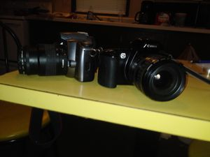 35 mm cameras in good condition for Sale in Cairo, GA