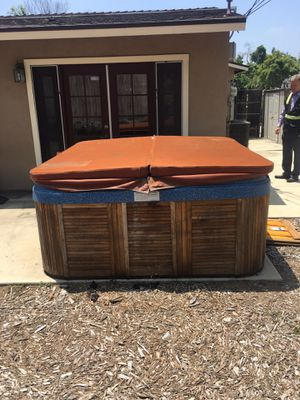 Hot tub for Sale in Fullerton, CA