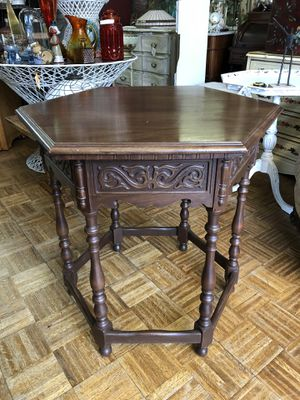 """Tall vintage carved wood side table 27 x 29"""" for Sale in La Mesa, CA"""