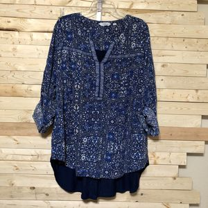 Indigo Blue Floral top size 3XL for Sale in Kent, WA
