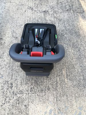 Graco Click and Connect Car Seat Base $25 for Sale in Allen, TX