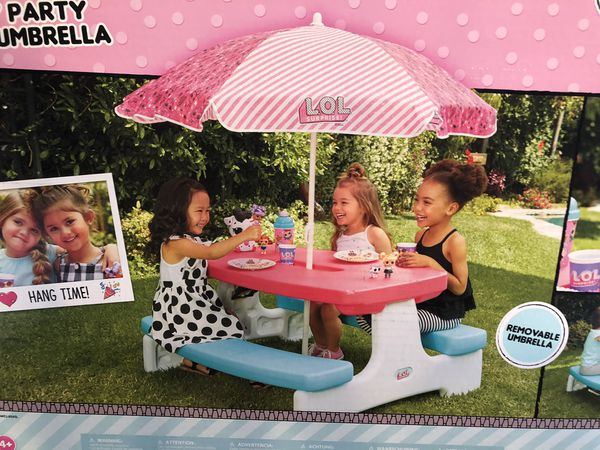 Lol Doll Birthday party picnic table with umbrella