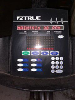 TRUE FITNESS 750 E ELLIPTICAL for Sale in Dunedin, FL