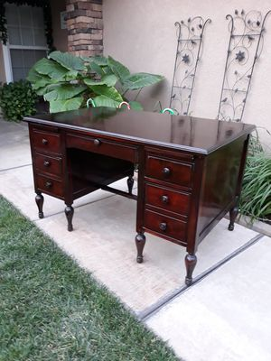 "VINTAGE ANTIQUE ""IMPERIAL CO"" 6DR. WRITING / TEACHERS DESK for Sale in Corona, CA"