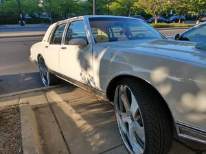 Mobile buff and wax and headlights restoration for Sale in Oak Park, IL