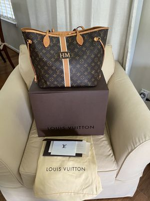 Louis Vuitton Neverfull bag. Used but in great condition. Inside slightly worn. Original cost $1400. for Sale in Suffolk, VA