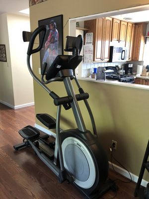 1018 NordicTrack Elliptical $800 for Sale in Santee, CA