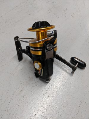 Penn 650 SS Spinning Reel. Very Nice Working Condition. Ready for fishing. for Sale in Miami, FL