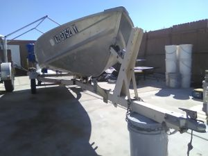 14 Foot Aluminum Boat for Sale in Surprise, AZ
