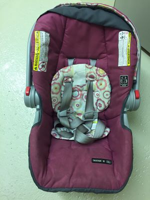 Graco infant car seat for Sale in Akron, OH