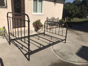 Full size bed frame for Sale in Downey, CA